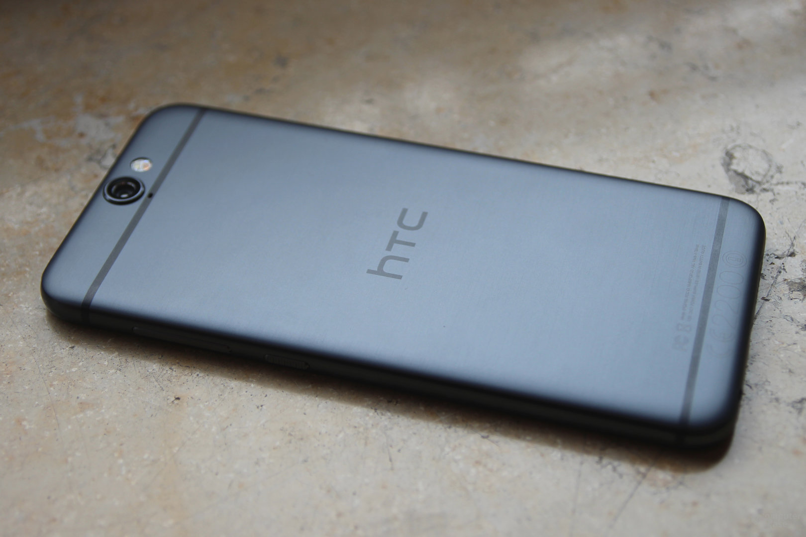 HTC One A9 in Carbon Grey