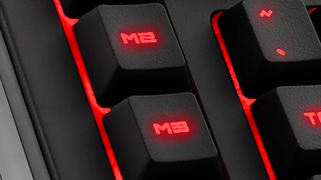 """Spieletastatur: Sharkoon Skiller Pro leuchtet als """"Pro+"""" in sieben Farben"""