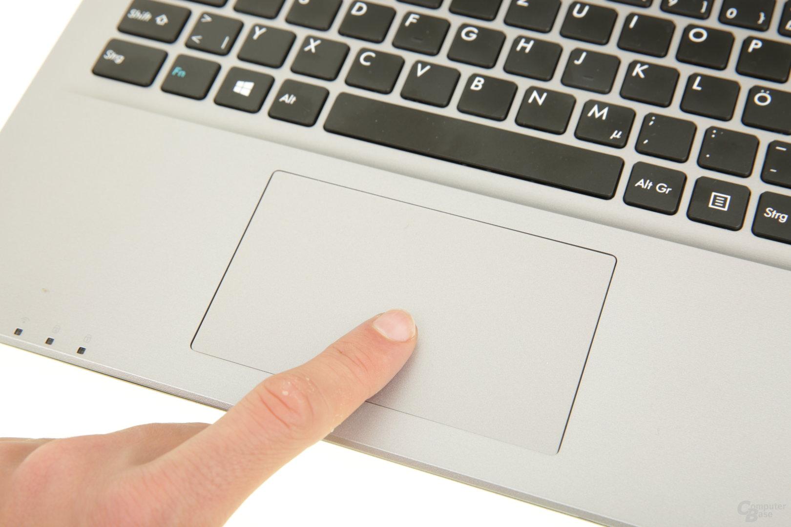 Das Touchpad klappert beim Tippen ohne Drücken