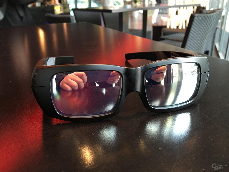 Die Gläser sind kleiner und reflektieren