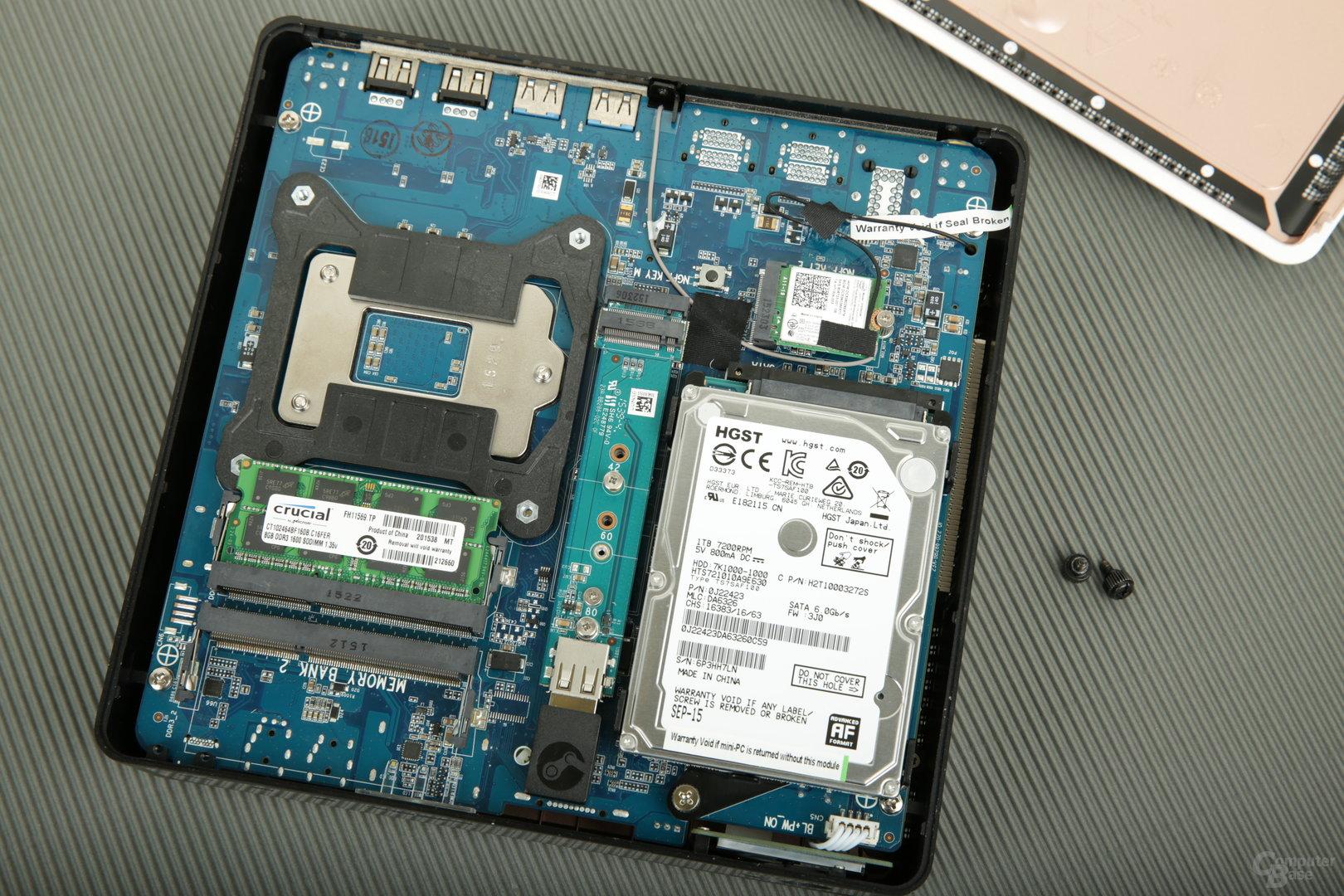 Bei Zotac sind HDD, RAM und ein M.2-Slot direkt zugänglich