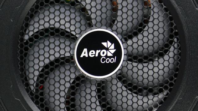 Aerocool Xpredator: Günstige Netzteilserie mit modularem Kabelmanagement