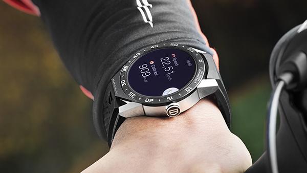 TAG Heuer Connected: Smartwatch mit Saphirglas und Titangehäuse für 1.350 Euro