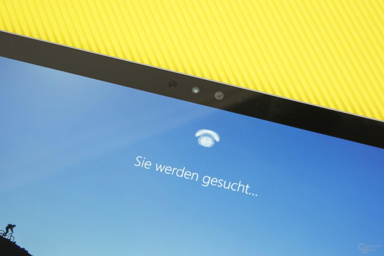 Nach Einrichtung sucht das gesperrte Surface Pro 4 nach dem Inhaber