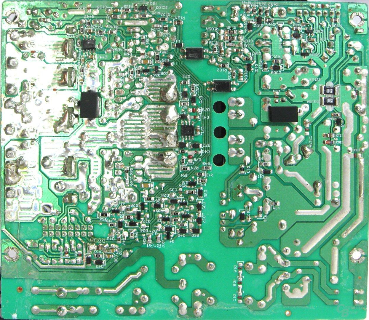 Super Flower Golden Green HX 350 Watt – Lötqualität