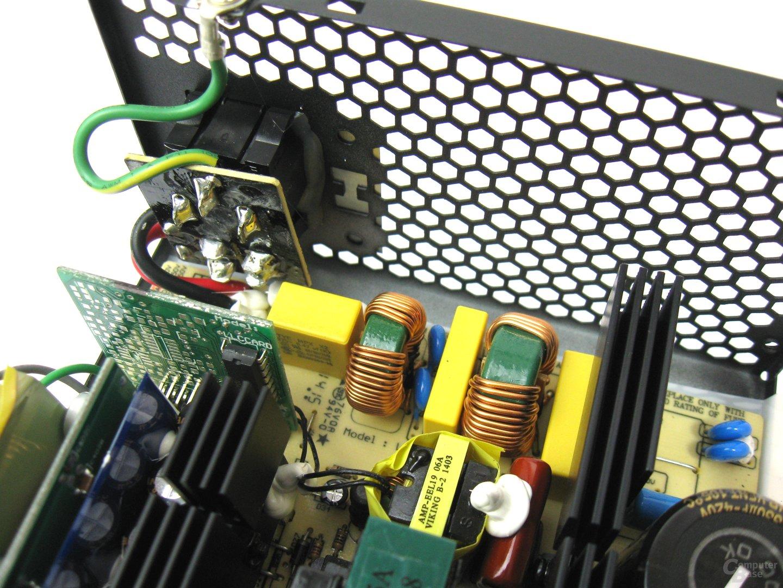 Super Flower Golden Green HX 350 Watt – Eingangsfilterung