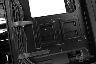 """BitFenix Shogun – Zwei weitere 2,5""""-Montagemöglichkeiten hinter dem Mainboardtray"""