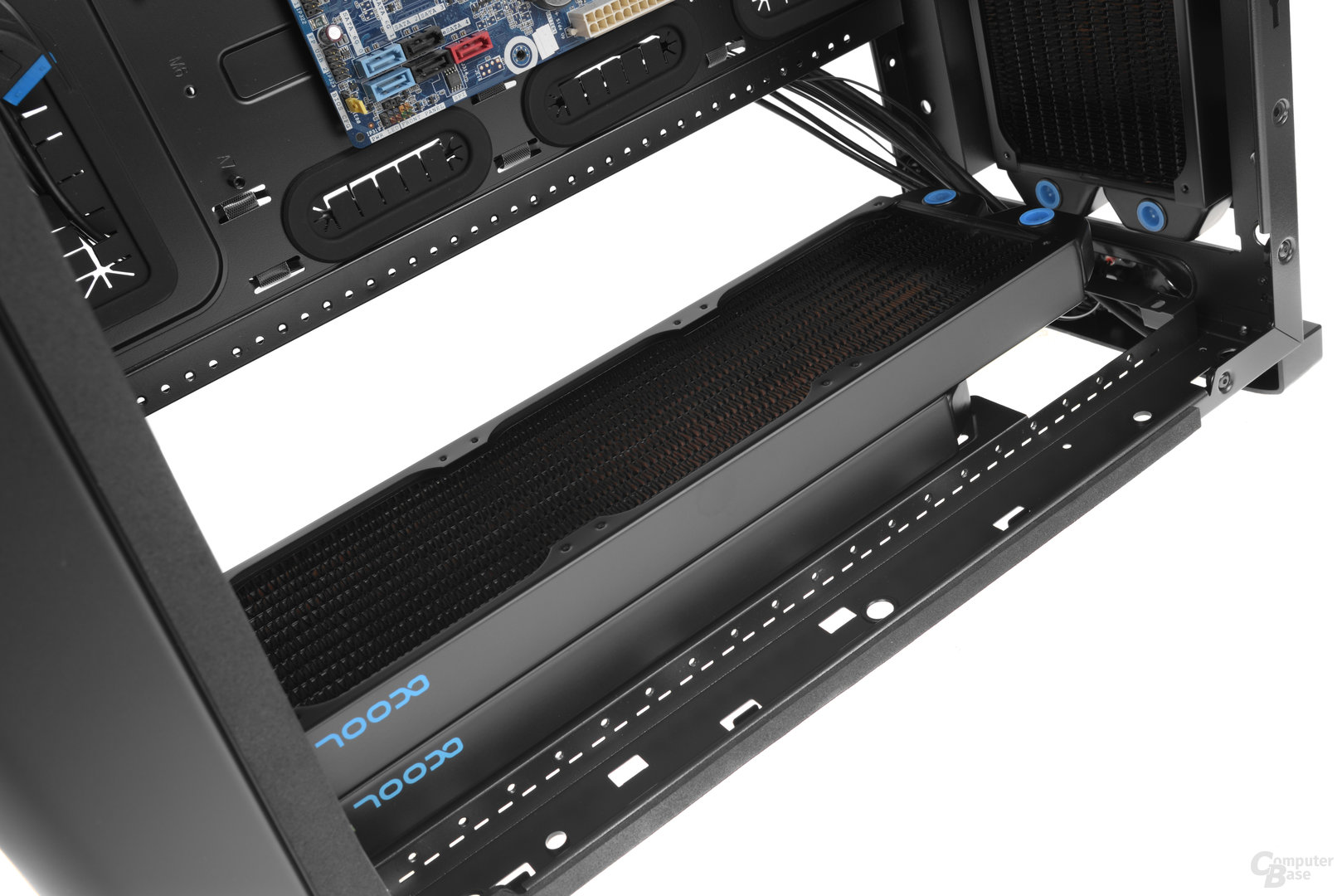BitFenix Shogun – In der Front ist sogar Platz für einen 360-mm-Tripple-Radiator