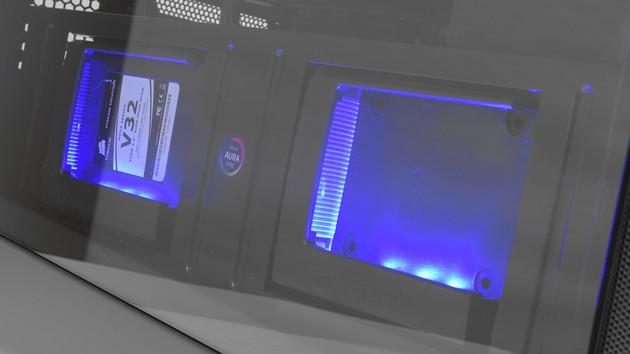 BitFenix Shogun: Gehäuse für zwei SSDs im RGB-Schaukasten