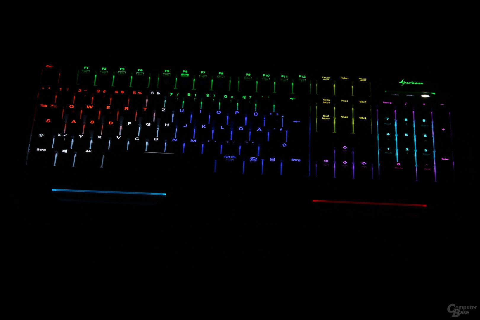 MK80 RGB im Dunkeln