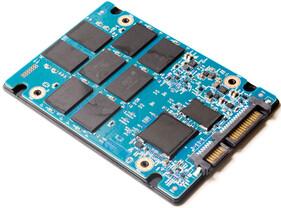 Die Platine der SanDisk Ultra II 960 GB