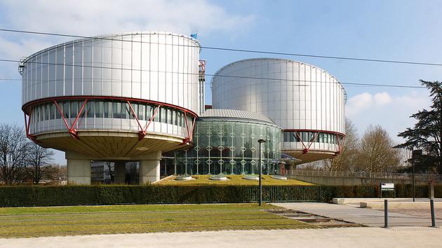 Urteil: Arbeitgeber dürfen private Nachrichten kontrollieren