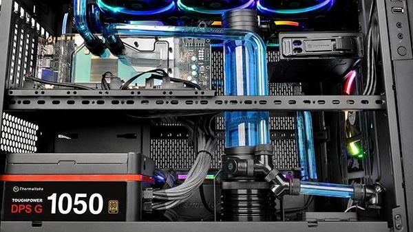 Thermaltake Core X5: Stapelgehäuse schrumpft auf 92 Liter Volumen