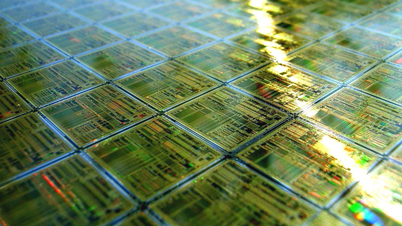 Halbleiter-Chips: Intel führt bei Forschung, Samsung & Apple bei Konsum