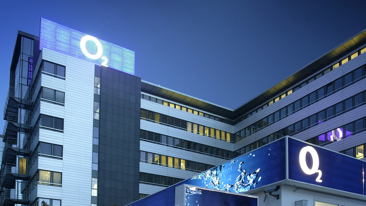 Telefónica: E-Plus- und Base-Kunden sowie Tarife gehen an O2