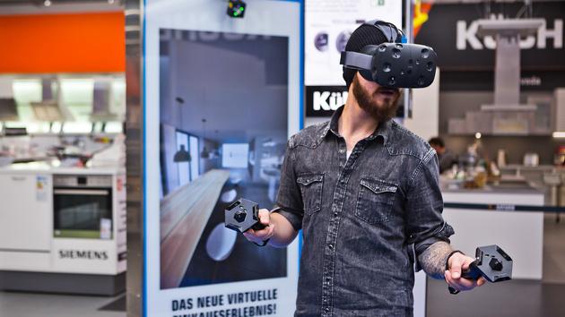 Saturn: HTC Vive für die Küchenplanung im virtuellen Raum