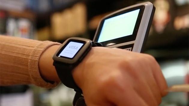 Pebble: Pagaré-Armband ermöglicht Bezahlen mit der Smartwatch