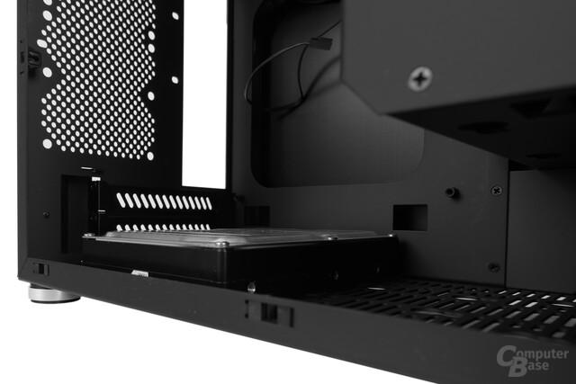 """Lian Li PC-Q17 – Keine Dual-Slot-Grafikkarte bei der Verwendung von 3,5""""-Festplatten im Boden mehr möglich"""