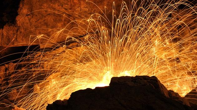 Wochenrückblick: Eine Reise zum Vulkan und ein Gehäuse mit Glas