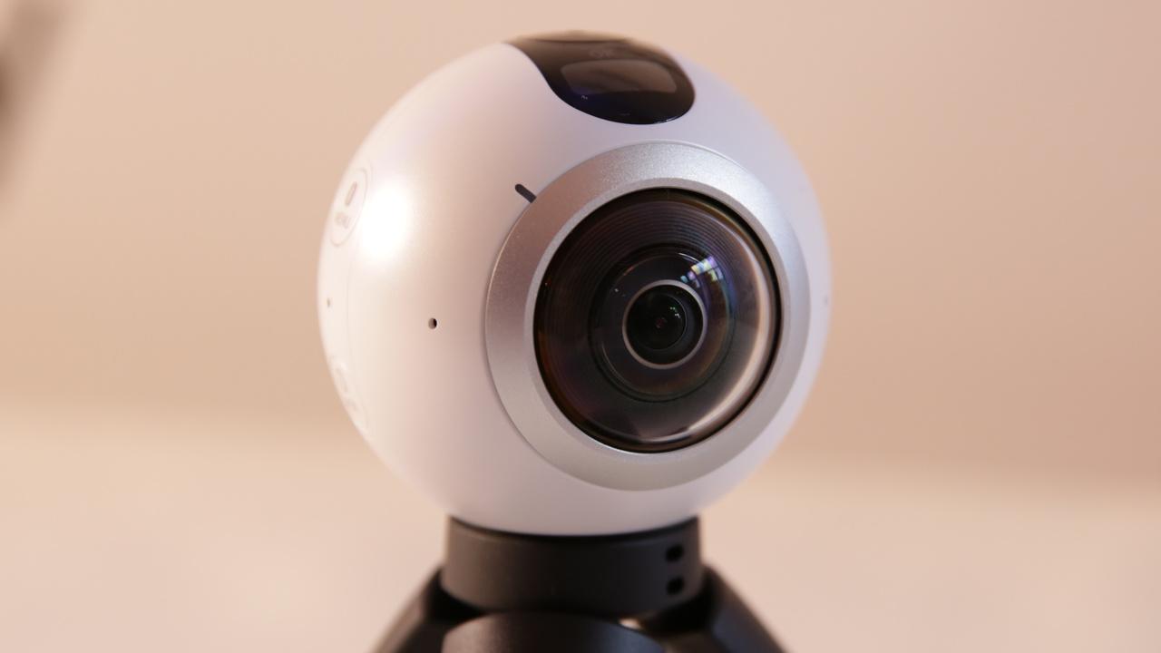 gear 360 vr kamera von samsung f r 360 grad videos computerbase. Black Bedroom Furniture Sets. Home Design Ideas