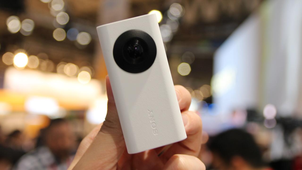 Xperia Agent, Ear, Eye: Sprechendes Bluetooth-Headset und drei Konzepte