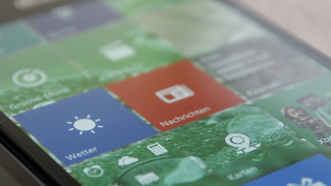 Windows 10 (Mobile): Build 14271 für den PC, 14267.1004 für Smartphones