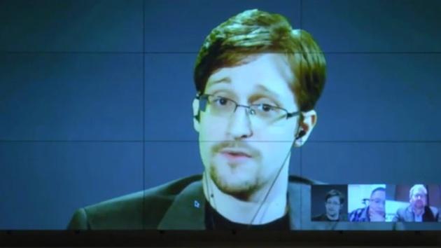 """Streit um iPhone: Snowden bezeichnet FBI-Argumente als """"Bullshit"""""""