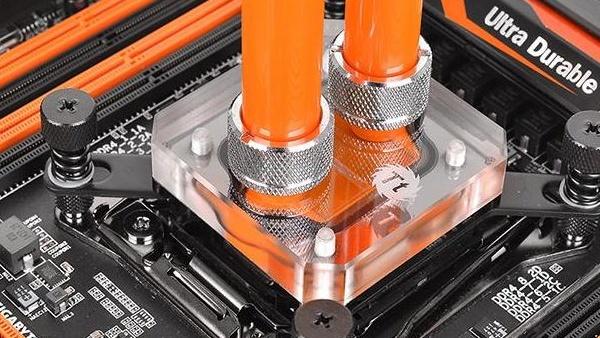 Thermaltake Pacific W3: CPU-Kühler mit 0,15mm dünnen Kanälen
