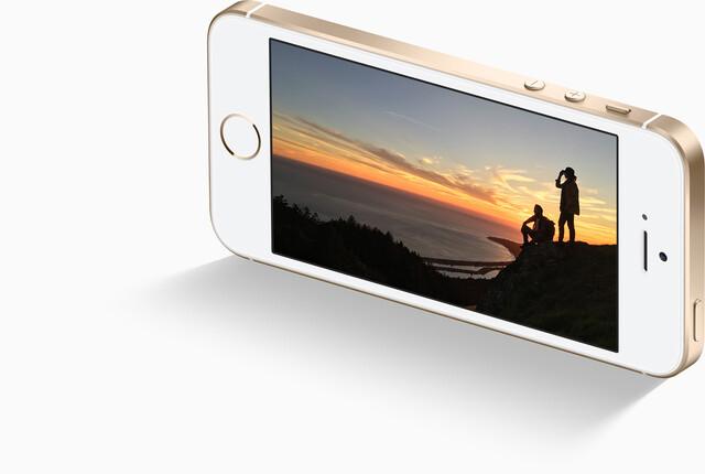 iPhone SE kann auf die Seite gestellt werden