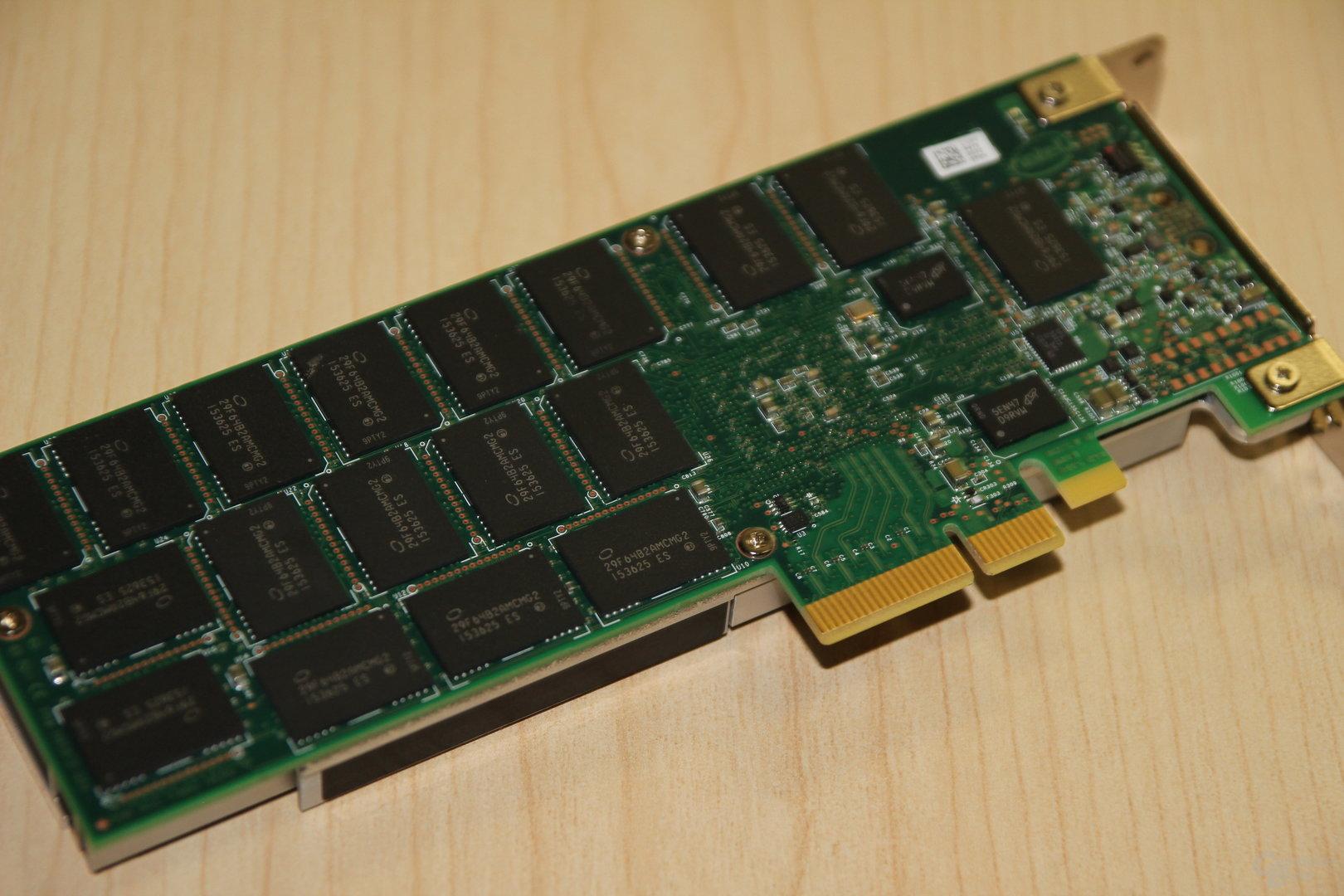 Der 3D-NAND der Intel SSD DC P3320