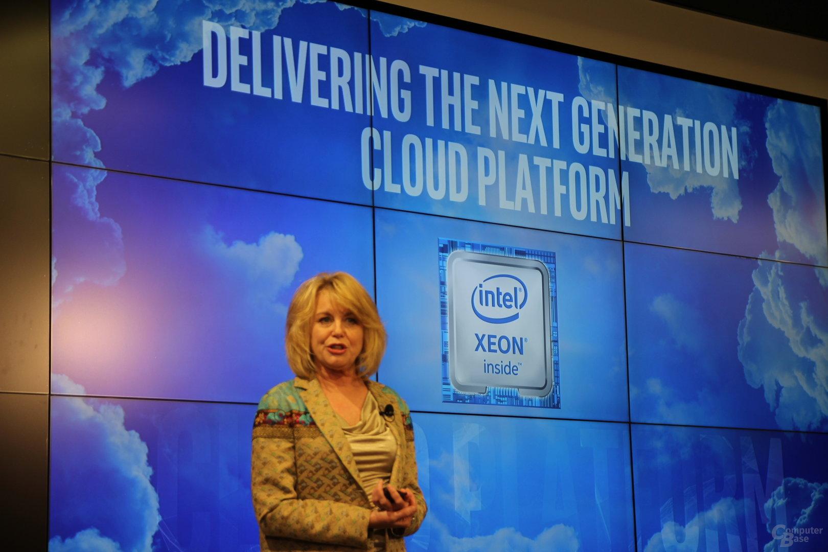Intels DCG-Chefin Diane Bryant enthüllt Xeon E5-2600 v4