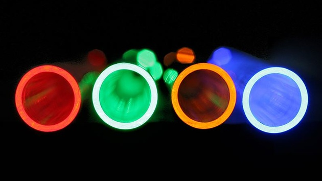 CoolForce LED Fittings: Beleuchtete Hardtube-Anschlüsse ersetzen UV-Zusatz
