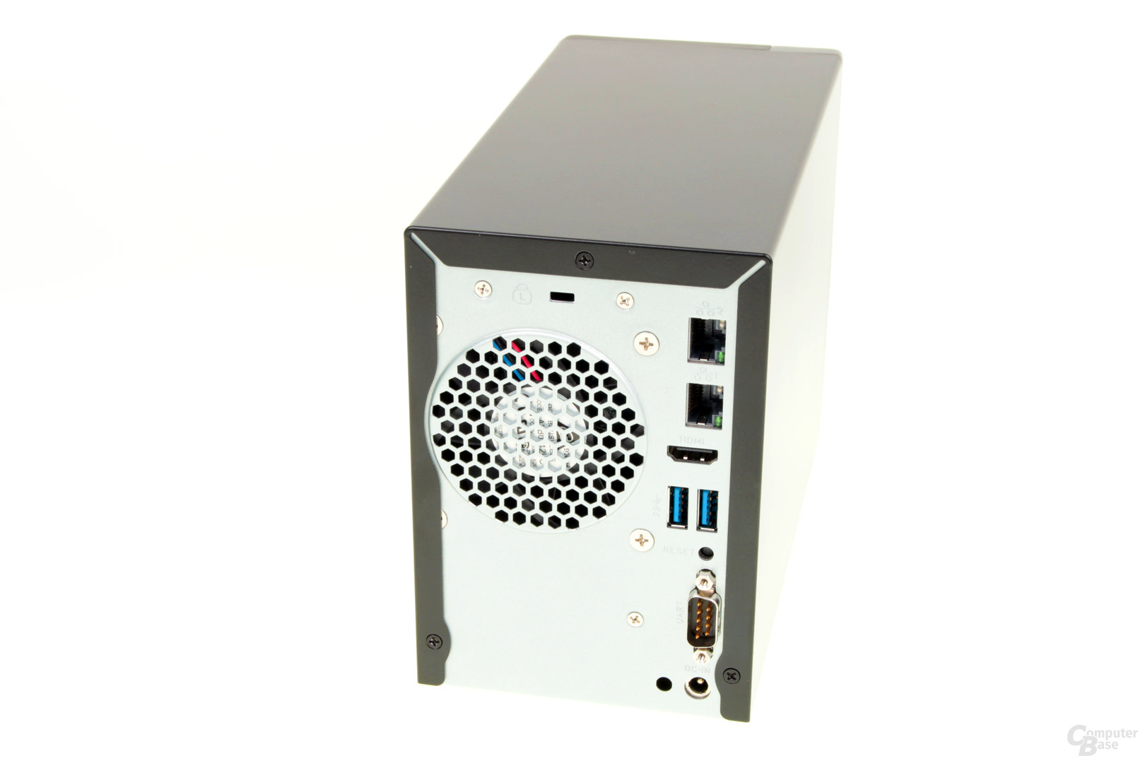 Thecus N2810 – HDMI, USB und Co. and er Rückseite