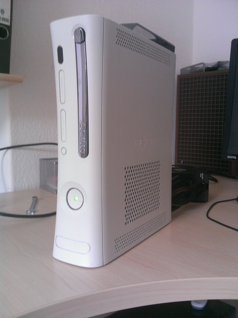 Die fertige Xbox 360 mit PC-Innenleben
