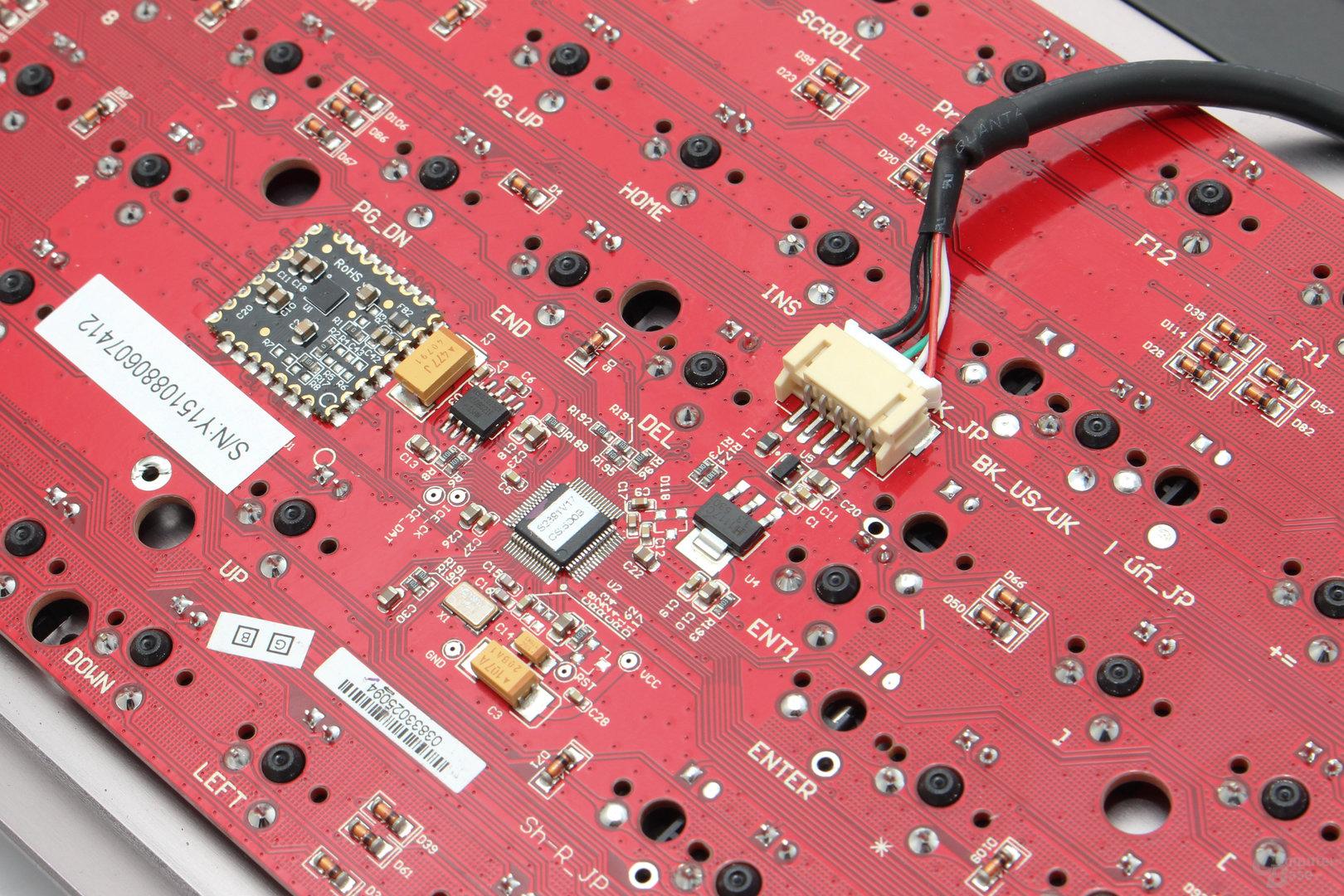 Der Controller stammt von Nuvoton (NUC 123)