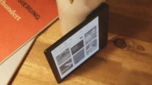 Kindle Oasis ausprobiert: Amazon-Reader will so dünn wie Papier sein
