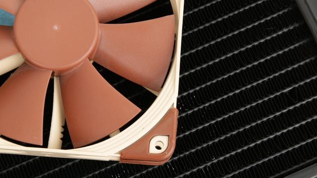 Lüfter auf Radiatoren im Test: Hohe Kühlleistung auch mit wenig statischem Druck