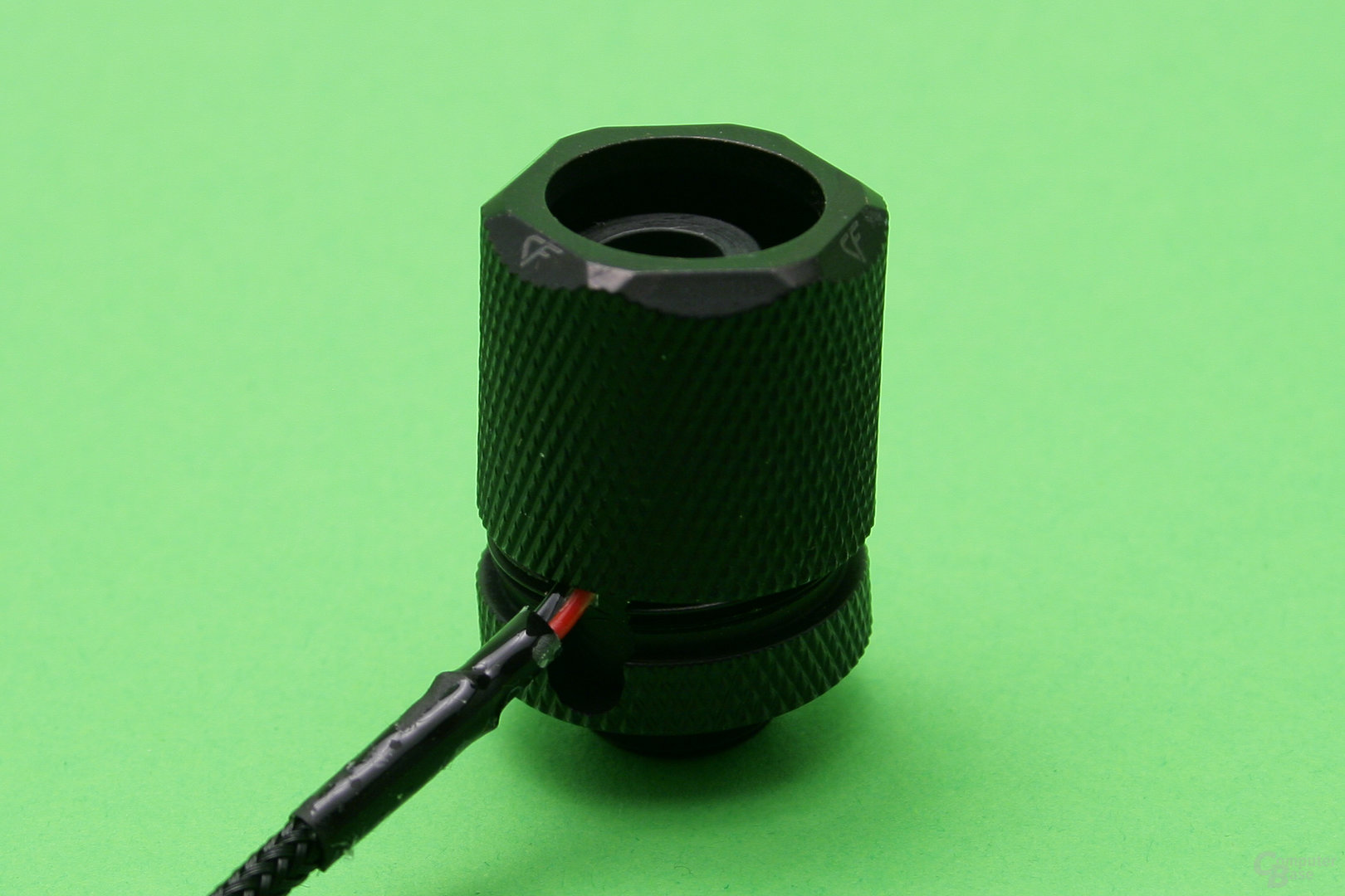 Fitting mit LED-Ring: Anschlusskabel muss an der richtigen Stelle sitzen