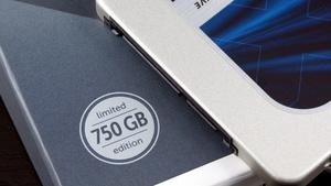Crucial MX300 SSD im Test: Das 3D-NAND-Debüt ist von Unbeständigkeit geprägt