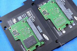 Samsung 850 Evo V2 mit 500 GB (links) und 250 GB (rechts)