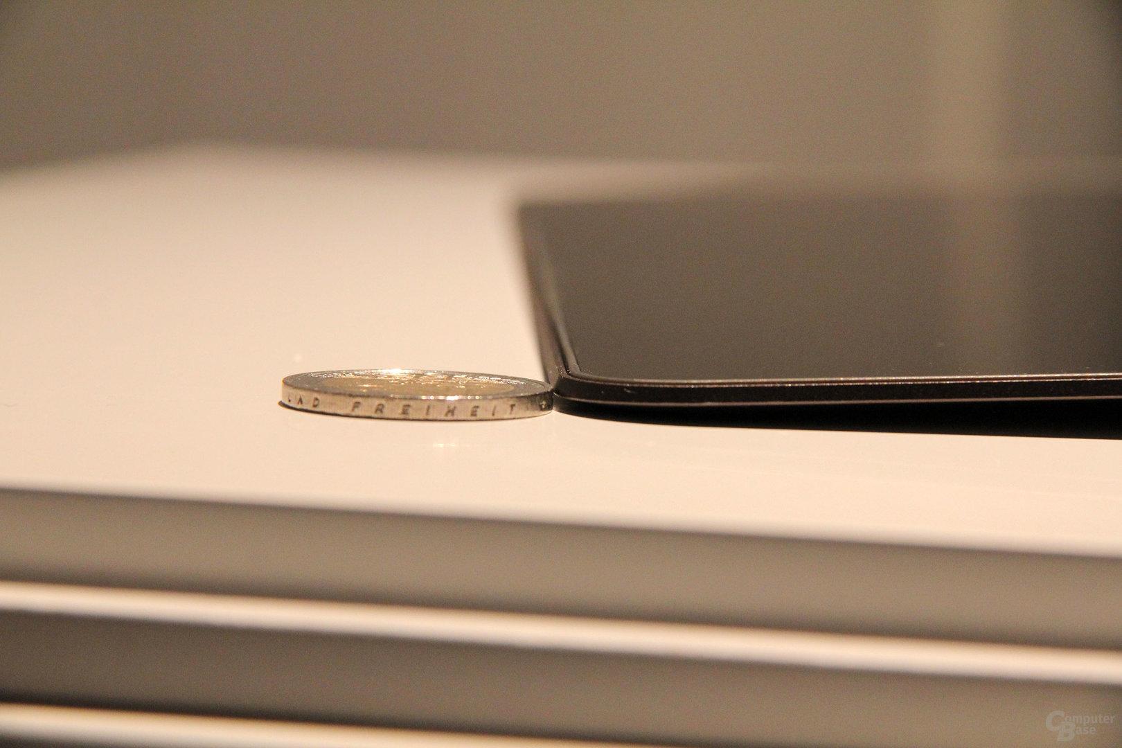 Das Display des HP Spectre 13 ist 2 Millimeter dünn