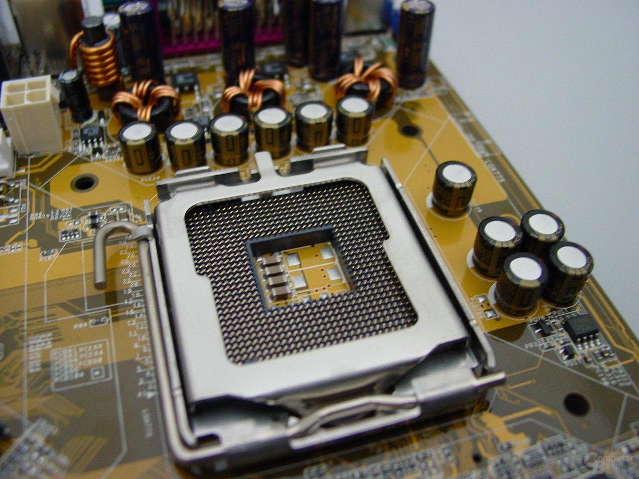 Asus P5VD1 Prozessorsockel und Spannungswandler