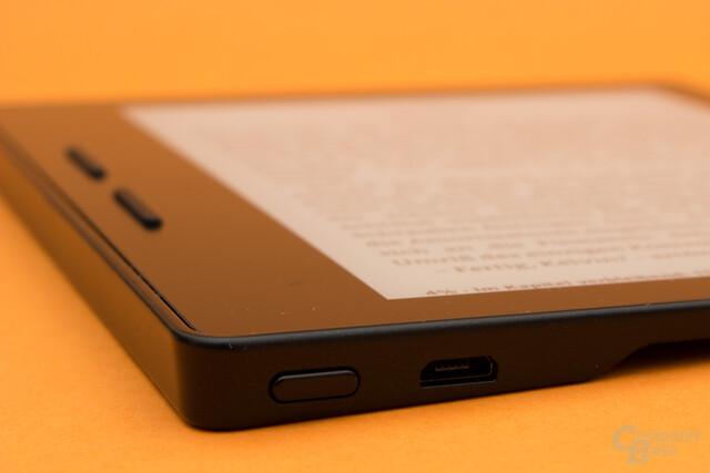 Kindle Oasis – Ein-/Ausschalter und USB-Anschluss