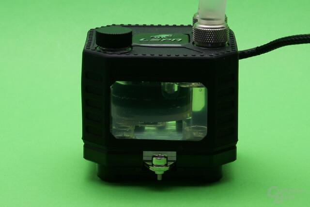 Lepa EXllusion 240: Kühler-/Pumpeneinheit erlaubt Blick ins Reservoir