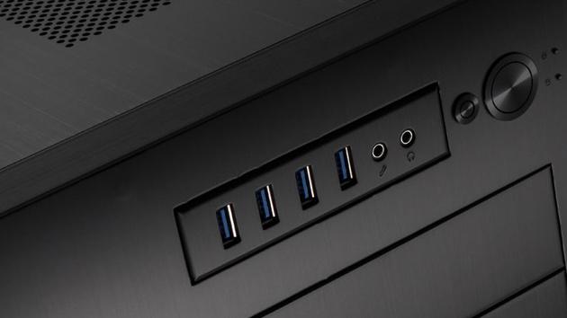 Lian Li PC-D888WX 8Pack: Kubisches Übertakter-Gehäuse für 17 Lüfter