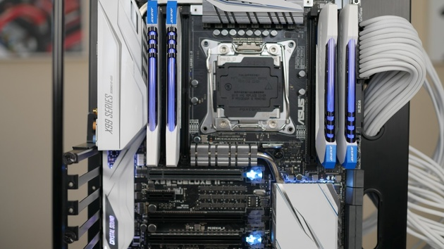 SafeSlot: Asus bewirbt neue X99-Mainboards mit stabilen PCIe-Slots