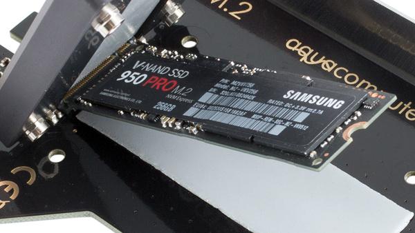 Aqua Computer kryoM.2: Universelle Kühlung für heiße M.2-SSDs