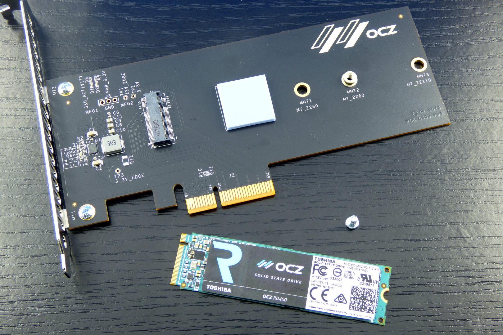 Der PCIe-Adapter besitzt ein Wärmeleitpad