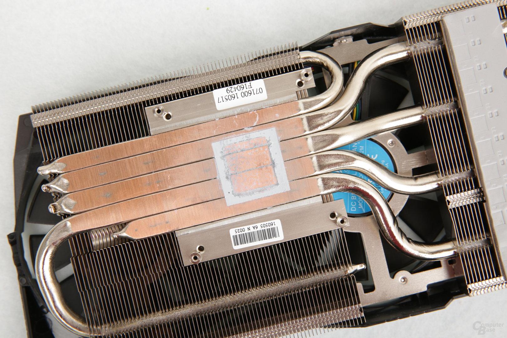 Asus GeForce GTX 1080 Strix im Test: 300 MHz mehr Takt ohne