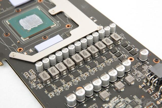 Zehn Phasen versorgen die GPU